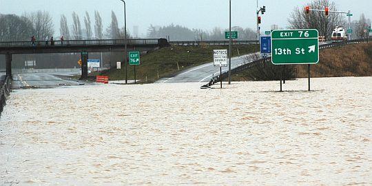 I-5 flooded in Washington
