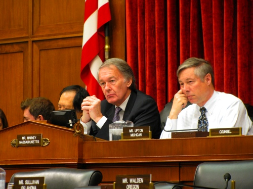Ed Markey (D-Mass.) and Fred Upton (R-Mich.) at a hearing of the Energy and Commerce Committee.