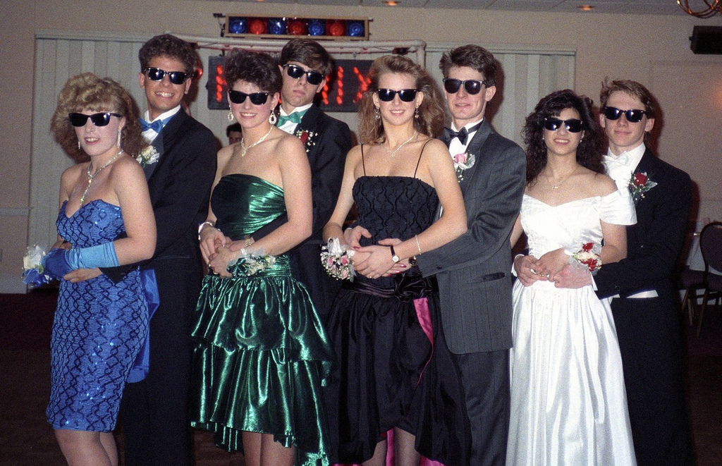 Group shot of prom-goers.