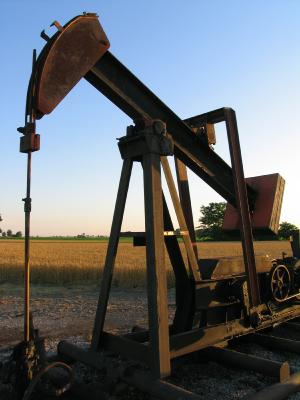 oil rig/corn field