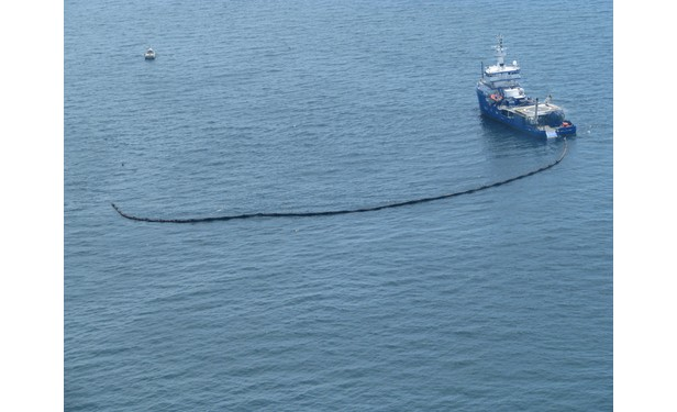 oil spill clean up boat
