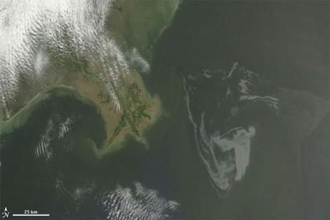Oil spill seen by satellite