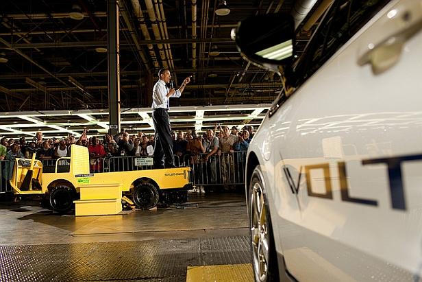 Obama in Volt factory