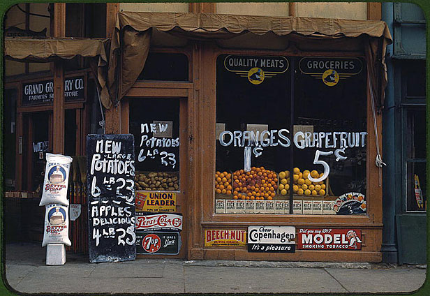 Grocery store in 1930s