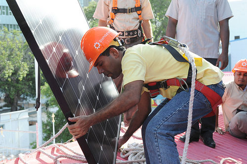 President of the Maldives installing solar.