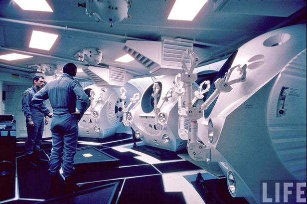 2001 A Space Odyssey astronauts