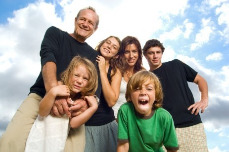 family with four kids