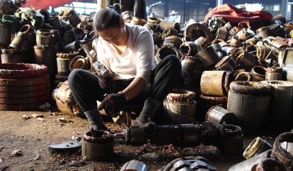 Shanghai scrap worker