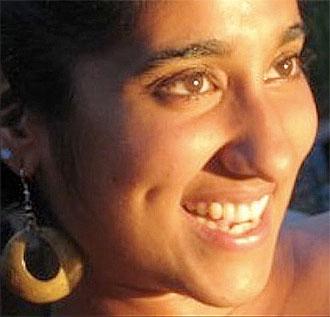 Navina Khanna.