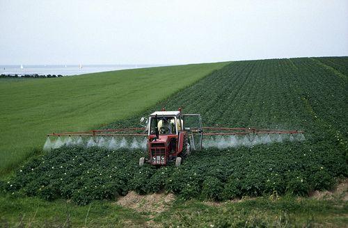 pesticide_spray