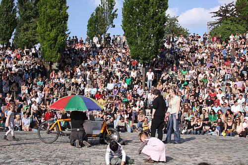 karaoke berlin crowd
