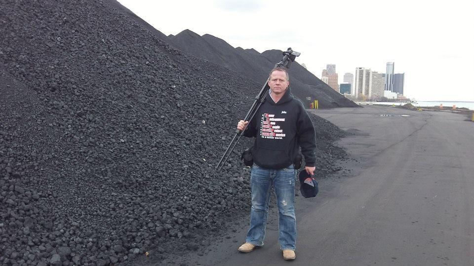 Huge tar-sands waste pile grows alongside Detroit River