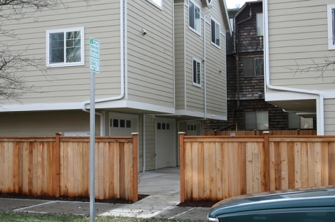 20-Seattle-townhouses-with-parking-court-flickr_jseattle