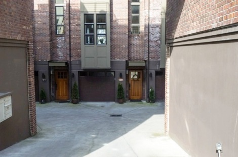 23-Seattle-Capitol-Hill-townhouses-inside-parking-court-by-Matthew-Amster-Burton