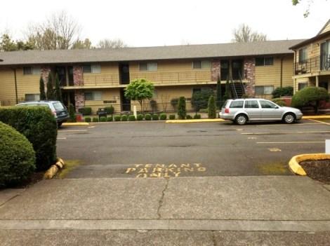 apartment-building-parking-lot-courtyard