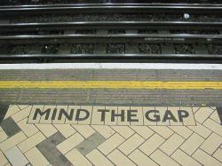 800px-Mind_the_gap_2