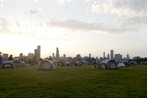 Waiting for the supermoon on Chicago's Northerly Island