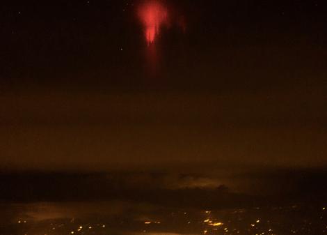 red-lightning-2