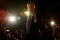 Democratic candidate for New York City mayor Bill de Blasio speaks with supporters before a mayoral primary results party in New York September 10, 2013.