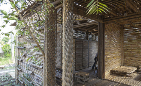 bamboo-house-entry