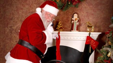 santa-stocking-fireplace-present-cropped