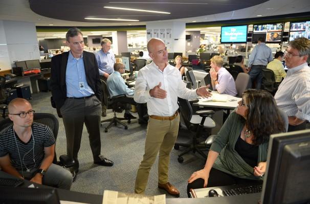 Jeff Bezos visits Washington Post