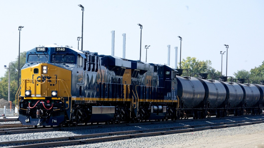 Oil-hauling train