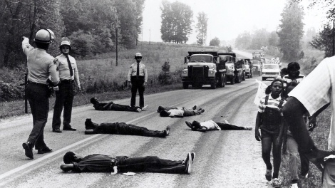 warren-county-protest-road-blockade-pollution