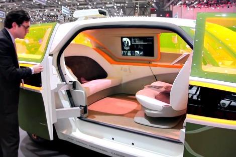 akka-interior-ev-minivan