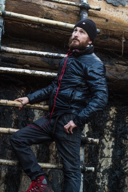 Darren Aronofsky on the set of Noah.