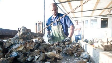 oystermen on boat