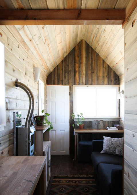 tiny-house-inside-front