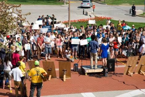 Washington University (St. Louis) students, administrators, alumni, and community members rally to call on the school to cut ties with Peabody.