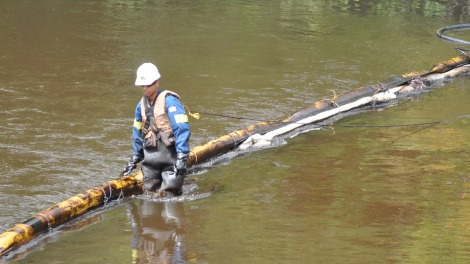 Cleaning up the Kalmazoo River