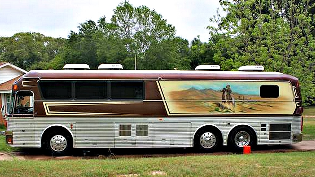Willie Nelson Bands tour bus for sale on Craigslist