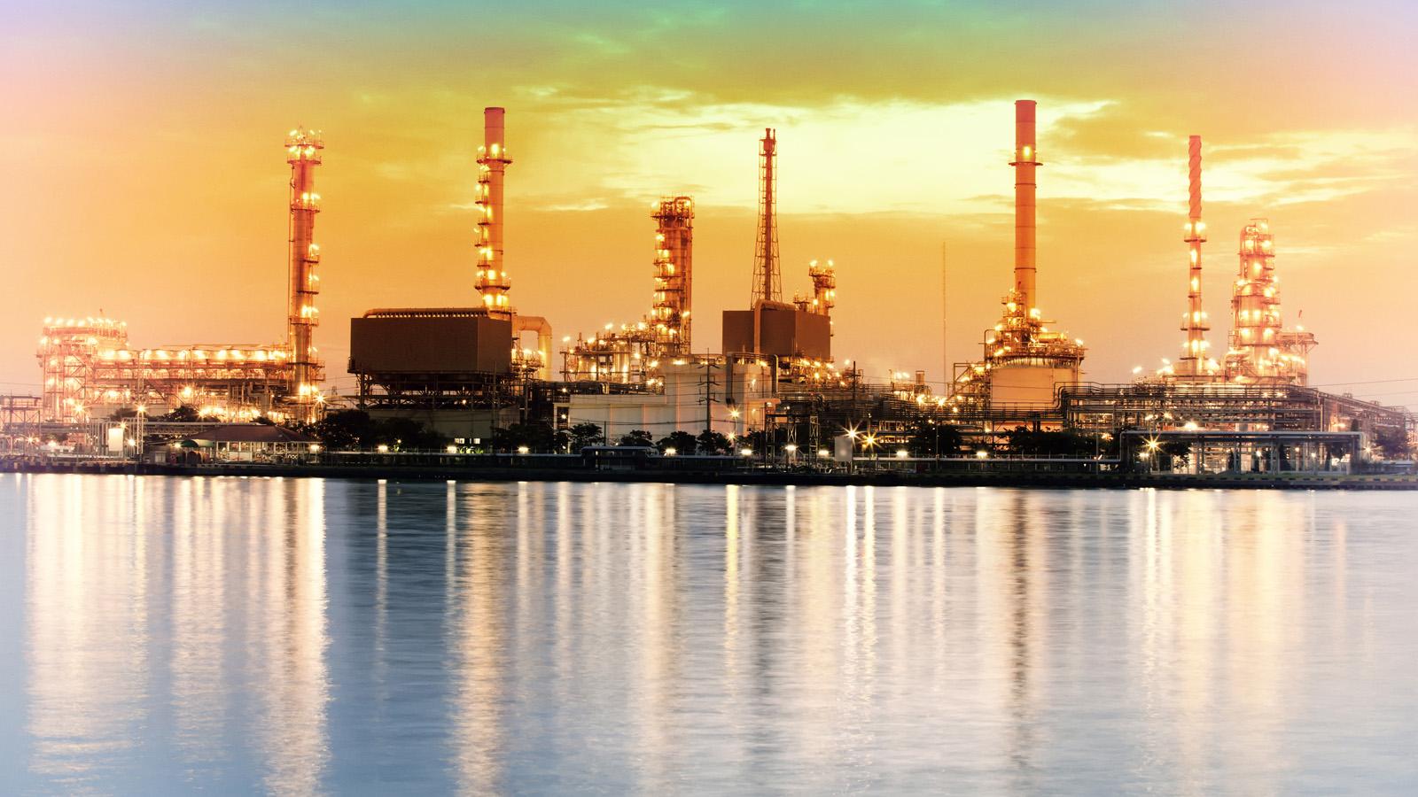 refinery on the coast