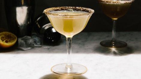 queen annes lace cocktail