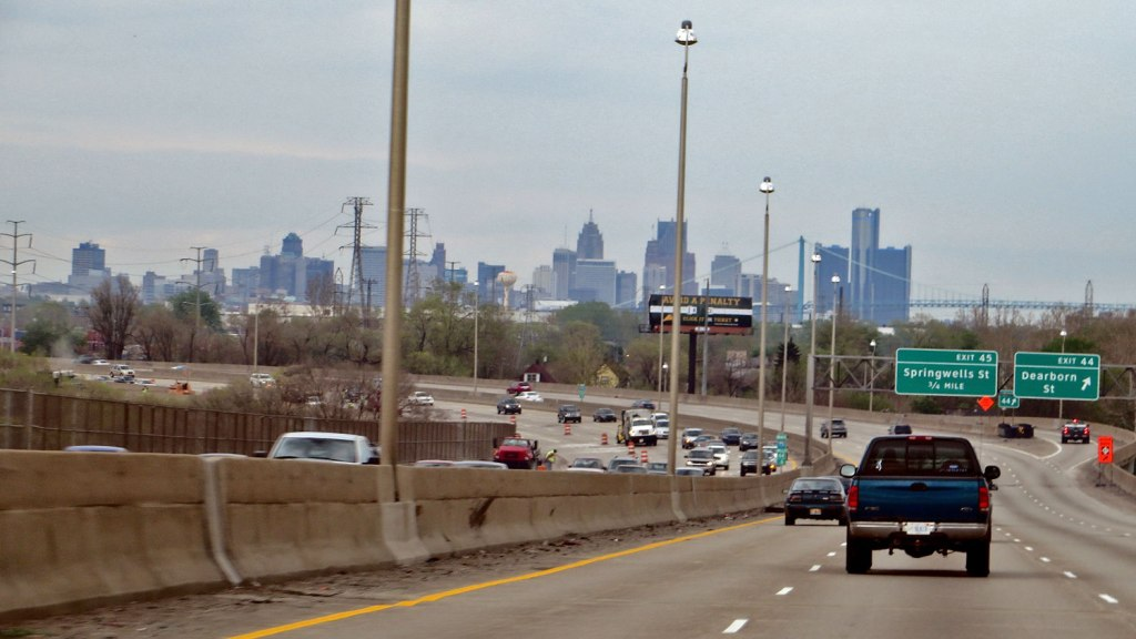 Interstate 75, Detroit