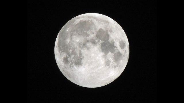 The moon, so boring