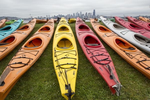 kayaks on Seattle shoreline