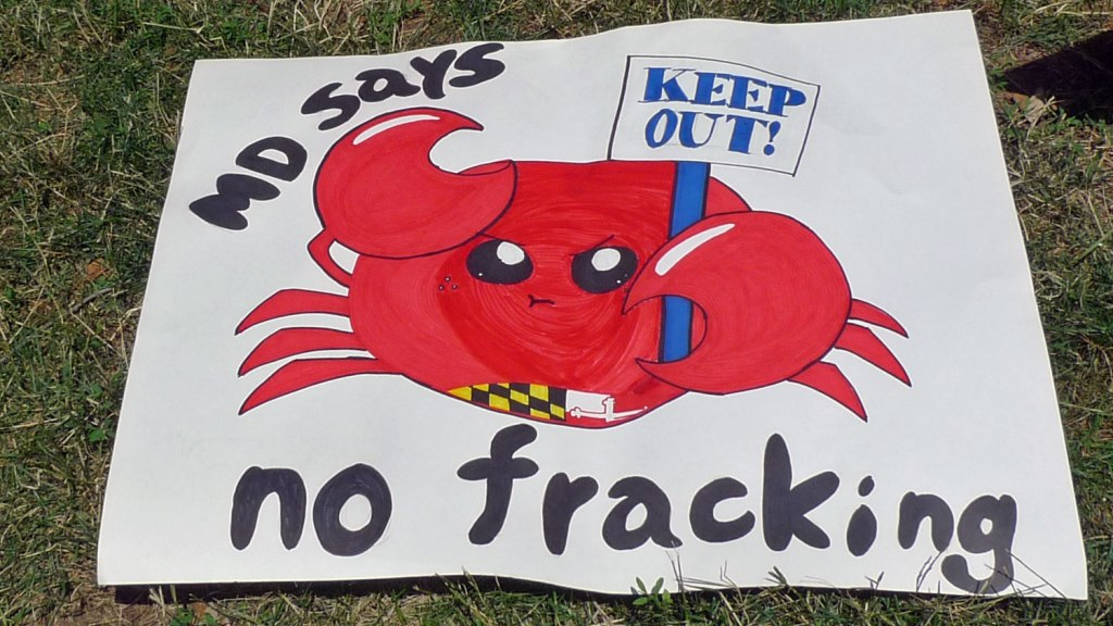 """sign with crab: """"MD says no fracking"""""""