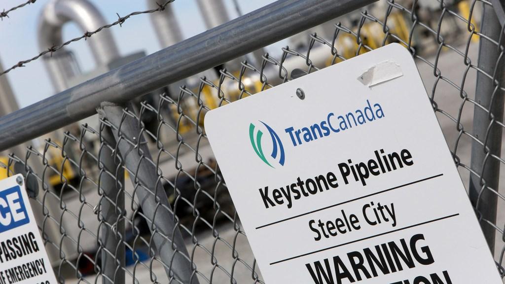 A Keystone pipeline sign