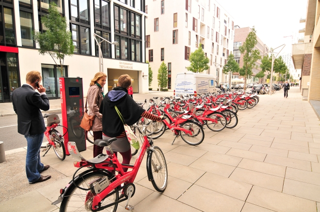 Several StadtRAD rental stations at the HafenCity allow for an environmentally friendly mobility.