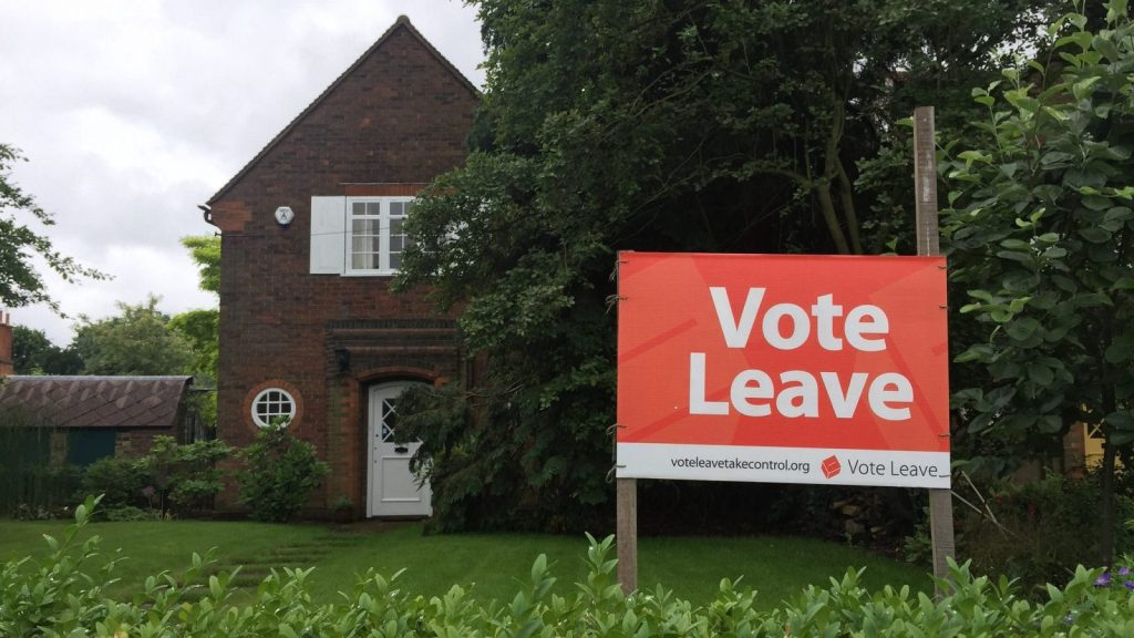 Vote leave poster, Euro referendum. Thames Ditton, Surrey