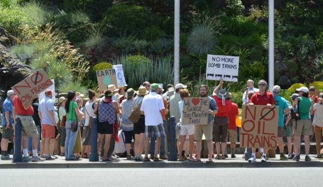 oregon-oil-train-protest-c