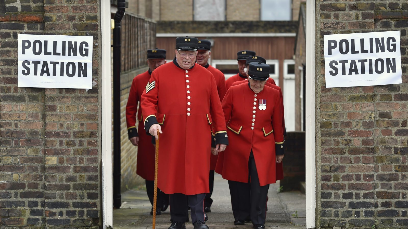 Chelsea Pensioners leave after voting in the EU referendum, at a polling station in Chelsea in London, Britain June 23, 2016.