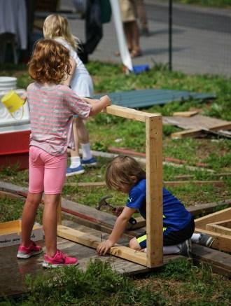 playgroundnyc-hammering-c