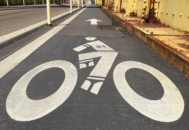 clemente-bike-lane-marker