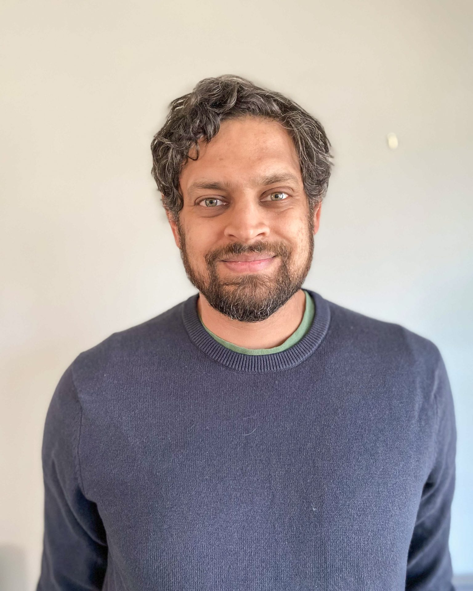 Nikhil Swaminathan Headshot