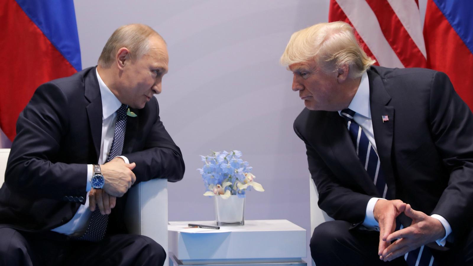 Political Bromance Tote Bag Putin and Trump